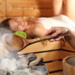 Sauna i przeciwwskazania: Czy sauna jest niebezpieczna dla zdrowia?