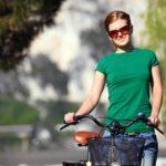 Jazda rowerem po chodniku: Co za to grozi i kiedy jest to dozwolone