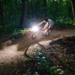 Jaki mandat za jazdę rowerem bez oświetlenia po zmroku?