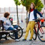 Parking i stojak na rower - jak bezpiecznie postawić rower w miejscu publicznym