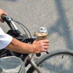 Zakaz prowadzenia pojazdów mechanicznych a rower. Można czy nie można