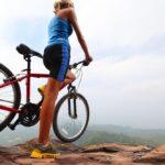 Rowery górskie w niskich cenach. Na co zwrócić uwagę przy zakupie?