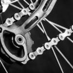 Jak zadbać o łańcuch rowerowy? Co ile i czym smarować?