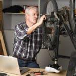 Jak w warunkach domowych nacentrować koła rowerowe?