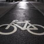 Co grozi za jazdę rowerem bez świateł? Mandat? Zakaz dalszej jazdy?