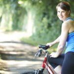 Czy rower skutecznie odchudza? Jak szybko schudnąć na rowerze?