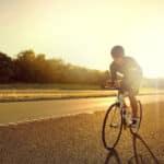 Jak szybko podjeżdżać pod wzniesienia rowerem i co z kadencją?