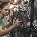 Zimowanie roweru: Jak przygotować rower na zimę