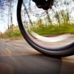 Hamulce tarczowe: czy opłaca się do nich dopłacić kupując rower