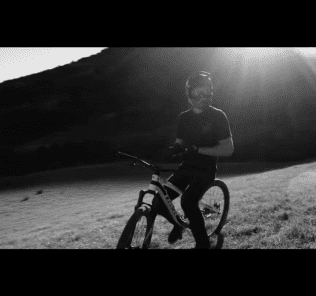 Brandon Semenuk SRAM wideo freestyle