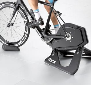 t2800_tacx_neosmart_back-inuse_rgb_0615_0