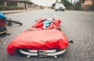 wypadek-na-drodze-wypadek-drogowy-nosze-karetka-1024x683